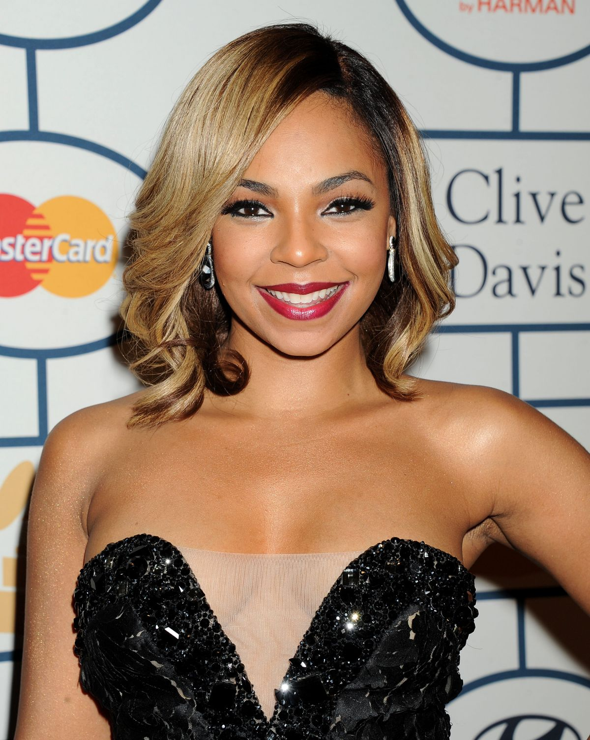 Ashanti Shuts Down Nelly Dating Rumors … It Was Just A Party ...