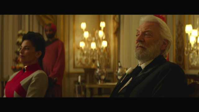"The Hunger Games Mockingjay Part 2 Official Trailer – ""We March Together"" ([Full HD]).mp4_20150725_221224.754"