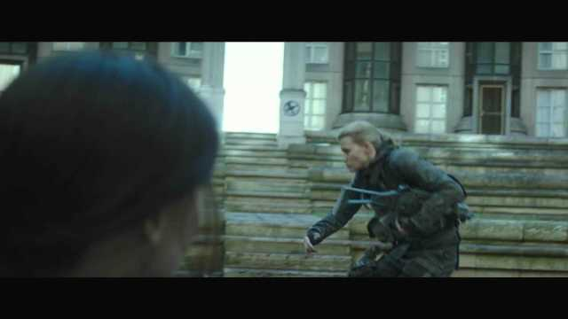 "The Hunger Games Mockingjay Part 2 Official Trailer – ""We March Together"" ([Full HD]).mp4_20150725_221354.090"