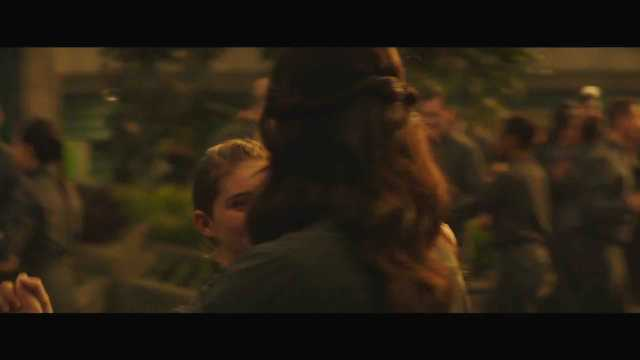 "The Hunger Games Mockingjay Part 2 Official Trailer – ""We March Together"" ([Full HD]).mp4_20150725_221422.325"