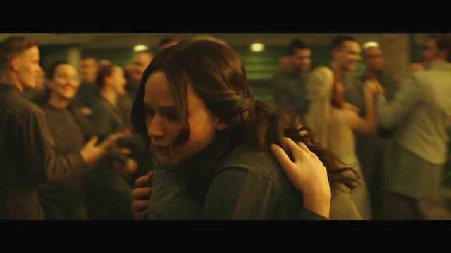 "The Hunger Games Mockingjay Part 2 Official Trailer – ""We March Together"" ([Full HD]).mp4_20150725_221423.046"
